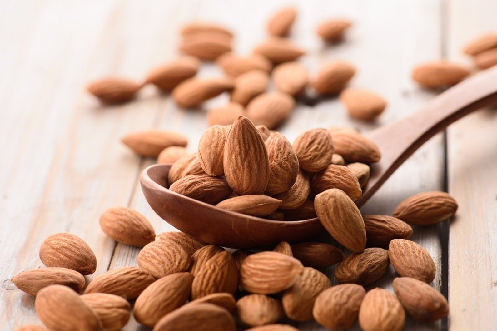 Almonds are a tasty and healthy snack that won't blow your diet