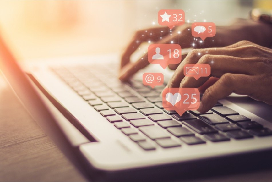 you can make money from home as a social media manager