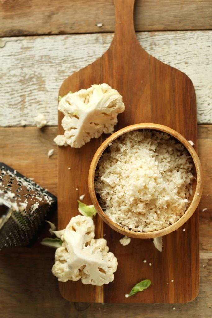 cauliflower rice is an ideal vegetarian side dish for meal prep